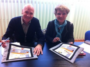H1 - Bernard Finckenbein, Directeur Général de DHJ International à Sélestat (67) et Paulette Bronner, une collaboratrice.
