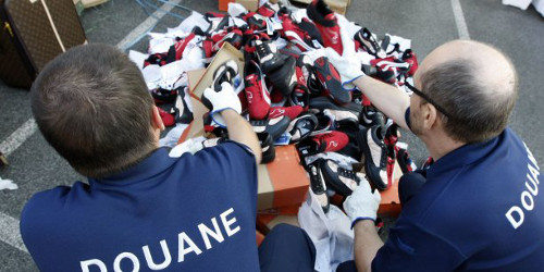 Saisies record de contrefaçon par la douane en 2016