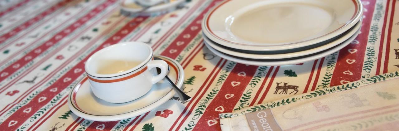 Vente Usine chez Georges G. : des idées déco pour vos tables de fêtes !